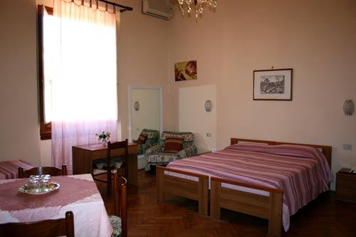 Hotel Joli foto 1