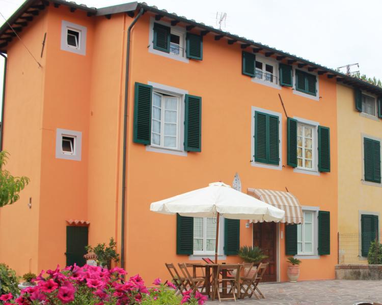 Bed & Breakfast Lucca Fora di Madrigali Silvia foto 0